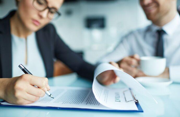 Jak zmienić umowę spółki komandytowej gdy komplementariuszem jest spółka z o.o.