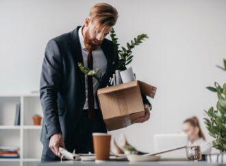 Czy pracodawca możne zwolnić pracownika z obowiązku świadczenia pracy w okresie wypowiedzenia?